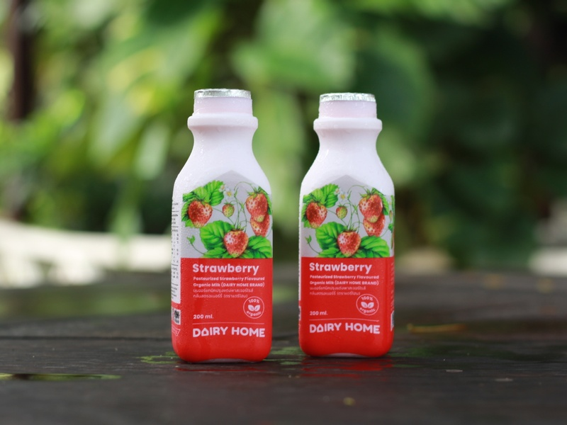pasteurized-strawberry-flavoured-organic-milk-1