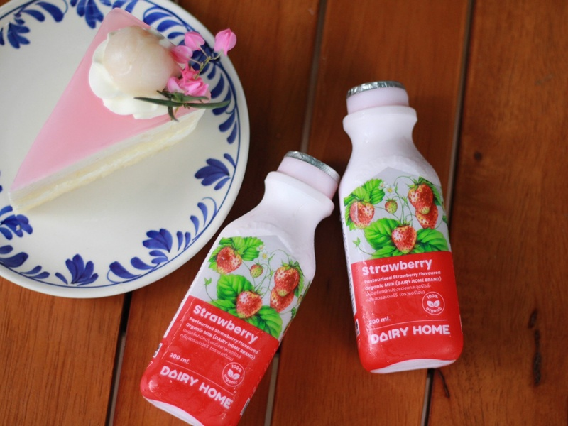 pasteurized-strawberry-flavoured-organic-milk-2